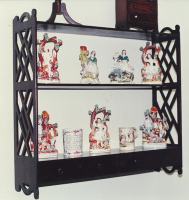shelf, hanging