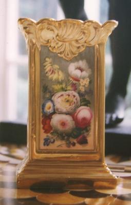 vase; A0497
