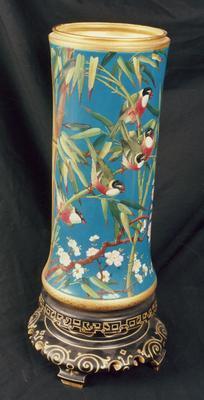 vase; A0514