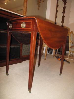table, Pembroke