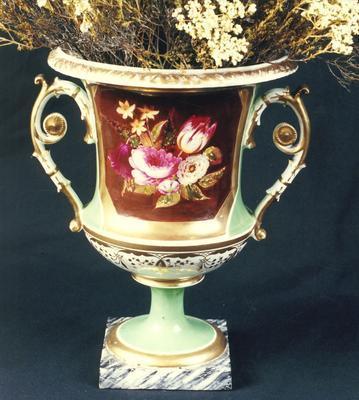 urn; A0930